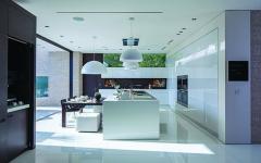 cuisine futuriste aux placards intégrés
