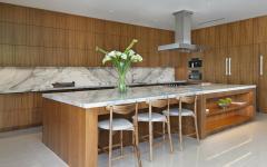 cuisine ouverte en bois exotique et marbre