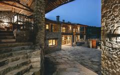ancienne maison en pierres rénovée
