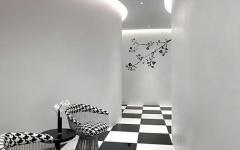 couloir design en noir et blanc