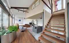 design original escalier intérieur loft rénové fabrique