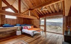 dortoir entièrement en bois lamelles lambris massif