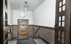 entrée immeuble ancien centre-ville