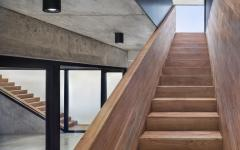 escalier extérieur intérieur en bois