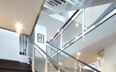 escalier moderne verre et fer maison