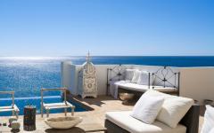 Superbe terrasse avec vue magnifique sur mer