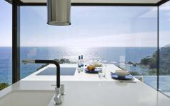 cuisine moderne aménagée vue mer