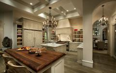 grande cuisine ouverte comptoir en bois