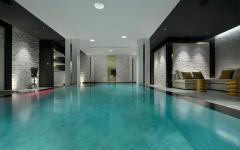 grande piscine intérieur courchevel chalet de vacances ski