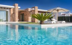 extérieur villa terrasse piscine luxe vacances ibiza
