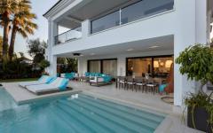 grande piscine jardin maison à louer proche plage marbella