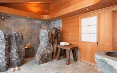 spacieuse salle de bain design rustique