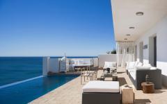 Villa de vacances exotiques terrasse piscine à débordement