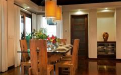 salle à manger exotique en bois