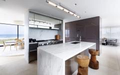 cuisine marbre blanc comptoir