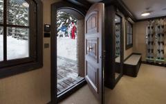intérieur bois massif chalet alpin de luxe courchevel ski