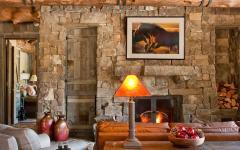 maison en bois séjour salon cheminée pierre