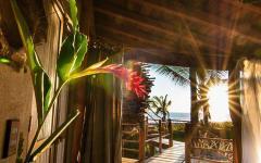 intérieur cabane en bois insolite plage exotique