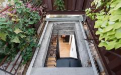 fenêtre accès terrasse sur le toit appartement de ville