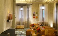 séjour design intérieur original miroir verres cassés sol