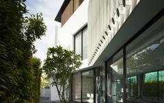 cours d'eau maison de luxe moderne