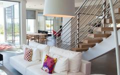 hauteur impressionnante séjour maison neuve