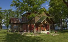 maison rustique vacances au bord d'un lac