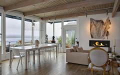 salle à manger avec vue sur la rivière décoration éclectique