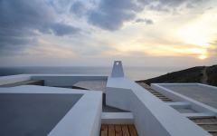 toit maison grecque vue sur la mer