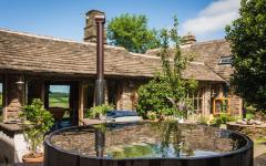 petite piscine de plonge maison à louer à la campagne