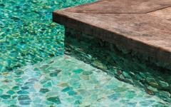piscine extérieure de luxe