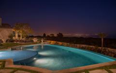 belle piscine luxe extérieur patio