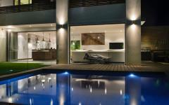 grande piscine luxe design outdoor
