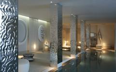 piscine intérieure chauffée luxe