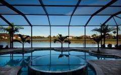 piscine intérieure luxe prestige villa