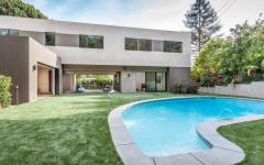 belle maison familiale neuve piscine extérieure