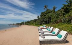 plage sable blanc paradis villa exotique