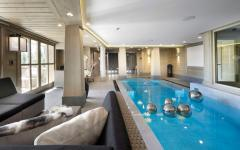 piscine luxe intérieur villa de ski