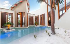 Grande et originale piscine design luxe