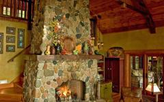 intérieur rustique avec cheminée sympa