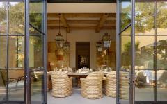salle à manger donnant sur le jardin