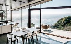 salle à manger vue sur la mer panoramique