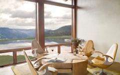 salon salle à manger avec belle vue montagne