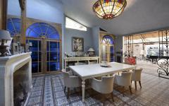 Salle à manger et cuisine belle demeure milionnaire