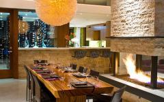 salle à manger aux boiseries massifs