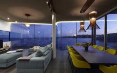 séjour maison moderne avec vue sur l'eau