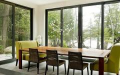 salle à manger avec vue panoramique sur lac
