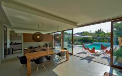 intérieur mobilier design baie vitrée