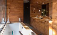 salle de bain murs en bois design luxe