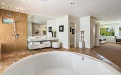 grande salle de bains luxe